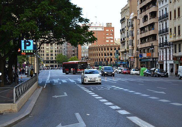 Carrer_de_Xàtiva_des_de_la_plaça_de_sant_Agustí,_València