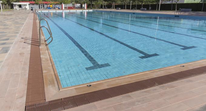 Obri la piscina de Mislata després de la remodelació integral