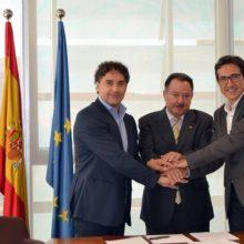 Francesc Colomer subscriu un conveni amb UNESCO València Mediterrani per col·laborar en la XII Multaqa