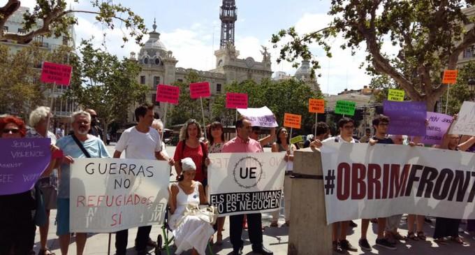 """Isabel Lozano recolça la iniciativa """"Caravana a Grècia"""""""