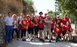 L'IVAJ i l'Ajuntament d'Enguera afavoreixen programes juvenils com el camp internacional «Ombria de la Plana» i Carnet Jove