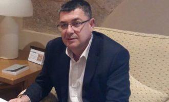 El conseller Manuel Alcaraz avança al president de Les Corts els nous projectes de llei previstos pel Consell per al següent període de sessions