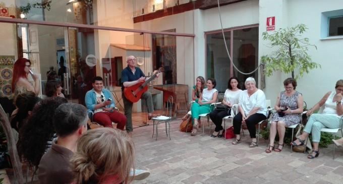 Clou el Voluntariat pel valencià a Torrent amb un acte dedicat a la poesia