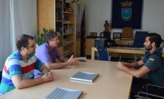 Visita del tinent cap de la guàrdia civil del puesto d'Alfafar-Catarroja