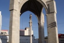 La Creu Coberta, el monument que representa a tot un barri