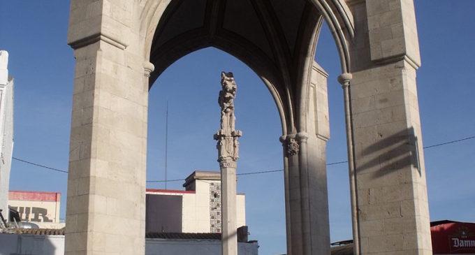 La Cruz Cubierta, el monumento que representa a todo un barrio