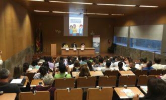 Les Corts colaboran en el seminario de ayuda a personas en riesgo de exclusión