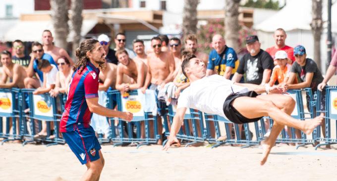 CD Imagina i La Horadada, favorits per portar-se el XXIII Trofeu de Futbol Platja Ciutat de València