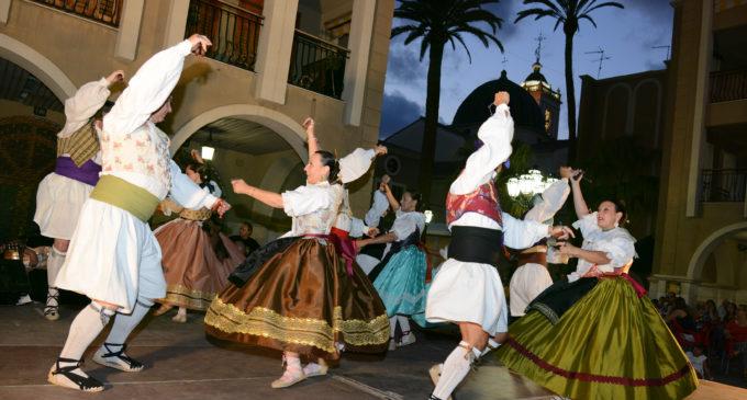 Folklore, pilota valenciana i protagonisme dels més menuts en l'equador de les Festes Populars 2016 de Paiporta