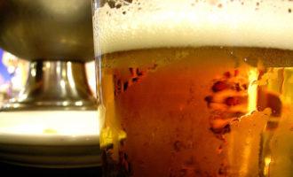 """La cervesa representa l'estiu """"ideal"""" per a més de la meitat dels valencians"""