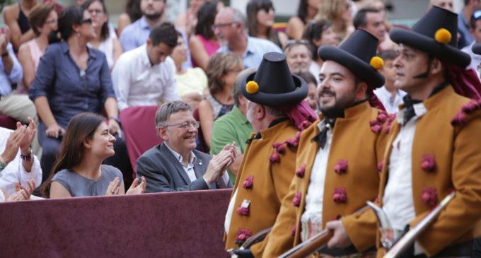 Puig destaca el valor cultural i econòmic de les festes de moros i cristians d'Ontinyent