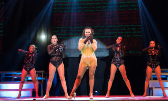 Més d'un miler de persones gaudeixen a Mislata del musical de la nit del dissabte