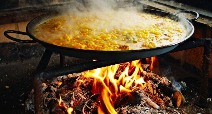 València celebra el seu primer World Paella Day amb degustacions en la Plaça de l'Ajuntament