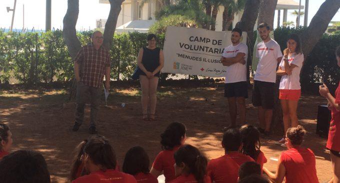 El campo juvenil 'Pequeñas ilusiones' se desarrolla en el albergue del IVAJ en Benicàssim