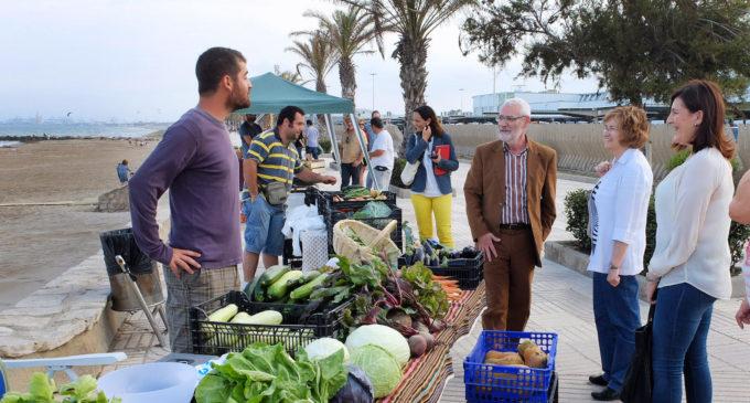 El mercat artesà i ecològic d'Alboraia rep una felicitació del director general de Comerç i Consum de la Generalitat