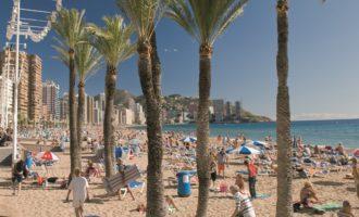 Els turistes internacionals deixen en la Comunitat Valenciana en el primer semestre de l'any una despesa total de 3.034 milions d'euros, un 12,1% més que en 2015