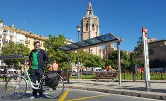 Dotze bicis elèctriques per al transport dels treballadors de l'Ajuntament de València