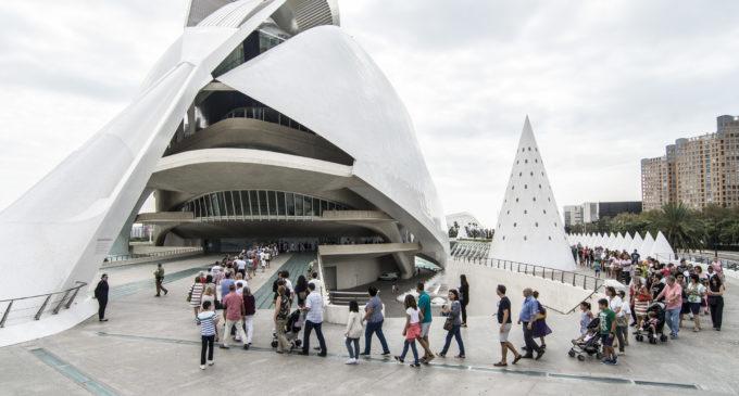 Més de 8.800 persones gaudeixen de la IX Jornada de Portes Obertes de Les Arts