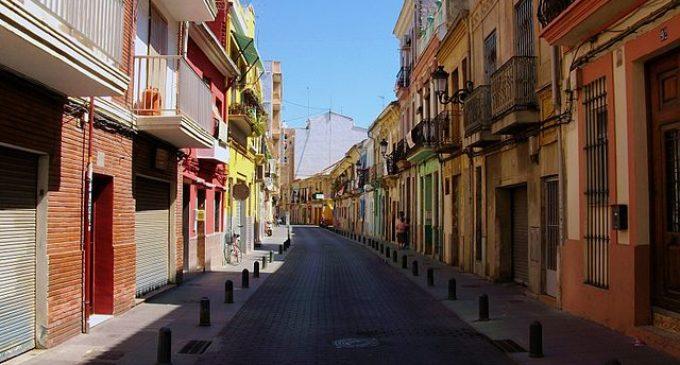 Ajuntament i entitats del Cabanyal coincideixen en la urgència de resoldre els problemes