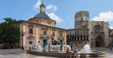 La XII Feria de la Salud se celebra en la Plaza de la Virgen