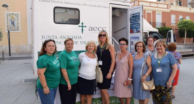 La Unitat Mòbil de prevenció de Càncer de pell va visitar Sedaví