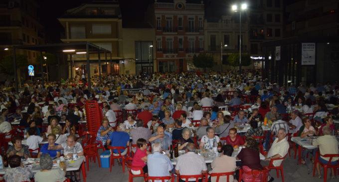 El sopar popular va comptar amb una participació vora les mil cinc-centes persones