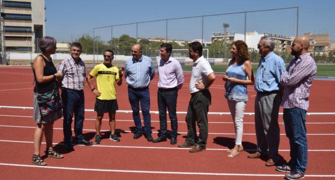 La nueva pista de atletismo municipal, lista para los atletas de Burjassot