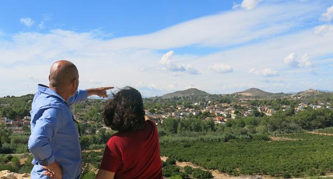 Xavier Rius visita el jaciment arqueològic de la Lloma de Betxí