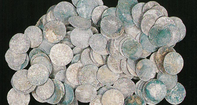 Les Corts mostraran el seu tresor de monedes medievals en les jornades de portes obertes