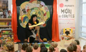 Una gran cercavila posa el punt final al festival de narrativa oral 'Paiporta Món de Contes'