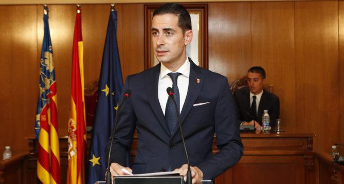 Mislata lliura les seues distincions al Dr. Mir, la jove Marta García i la Coral Ramón Ibars amb motiu del 9 d'octubre