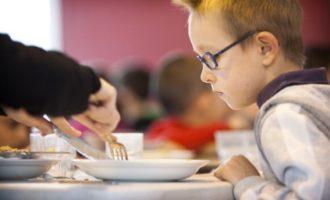 Educació destina dos milions d'euros per a transport i menjador de l'alumnat de centres d'Educació Especial