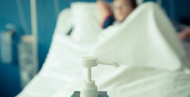 Sanitat garantirà a 30.000 dependents l'atenció farmacèutica a casa