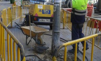 L'Ajuntament atén una reivindicació veïnal històrica en renovar l'enllumenat públic de l'Avinguda del Doctor Waksman