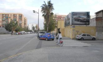Este martes se pusieron en marcha las obras del carril bici que conectará Malilla con el centro