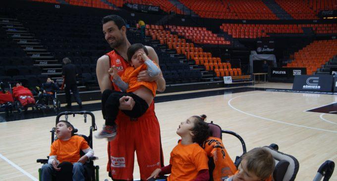 Sessió de fotos per al Calendari Solidari 2017 del València Basket en col·laboració amb el CPCI Cruz Roja