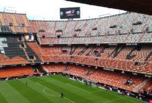 Puig agraeix a Peter Lim i al València CF la donació de material sanitari