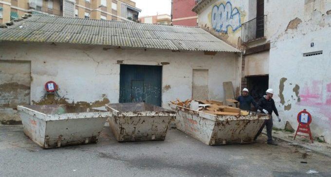 El Ayuntamiento inicia las obras para consolidar las alquerías del Carrer d'Olba