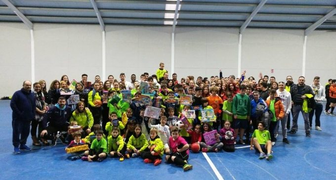 L'Alaquàs Club de Futbol Sala recapta més de 100 joguets en el seu torneig solidari