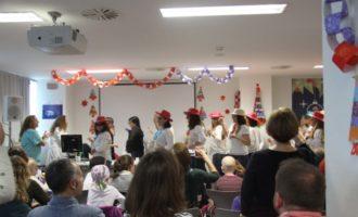 El festival en Oncologia i el concurs de targetes obrin el Nadal en l'Hospital La Fe