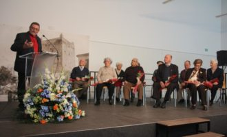 """Torrent ret homenatge als seus majors, a la tradició i a la llengua valenciana en """"Memòria viva de Torrent"""""""