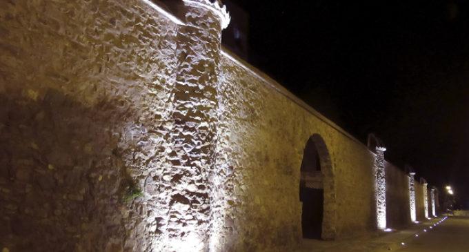 Nova il·luminació i millors accessos a la muralla de l'antic jardí botànic