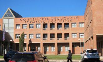 La Regidora d'Educació, Laura Espinosa, es reuneix amb representants de la Conselleria d'Educació per a tractar les necessitats educatives del municipi