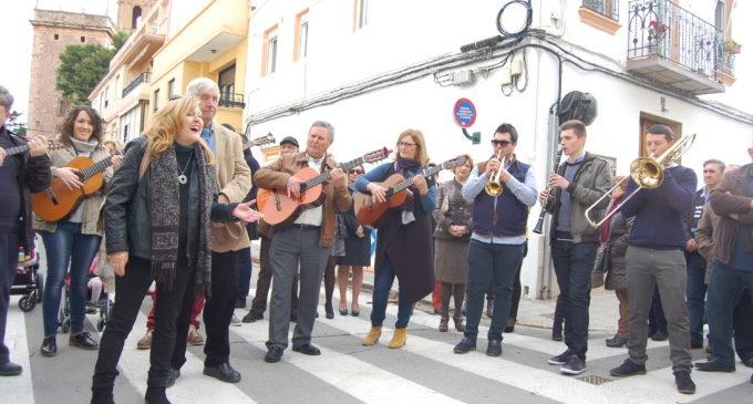 El Puig s'entrega a la festa de la tradició i la solidaritat