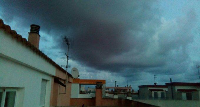 Segueix l'alerta roja a la Comunitat Valenciana per pluja i neu