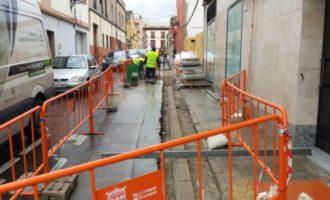 L'Ajuntament de Burjassot inicia les obres en el carrer Navarrés per a ampliar les seues voreres