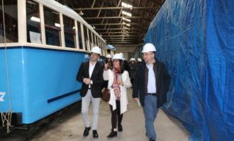 Les associacions i col·lectius de Torrent visiten el Museu del Ferrocarril