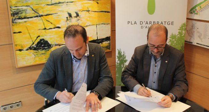 L'Ajuntament d'Alzira i ClearPet signen un conveni per a col·laborar en el desenvolupament del Pla d'Arbratge