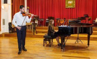 L'associació Ararat porta a Mislata al jove violinista Edmond Hovhannisyan