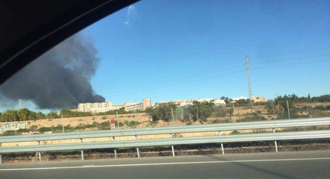 Incendio polígono Fuente de Jarro Paterna
